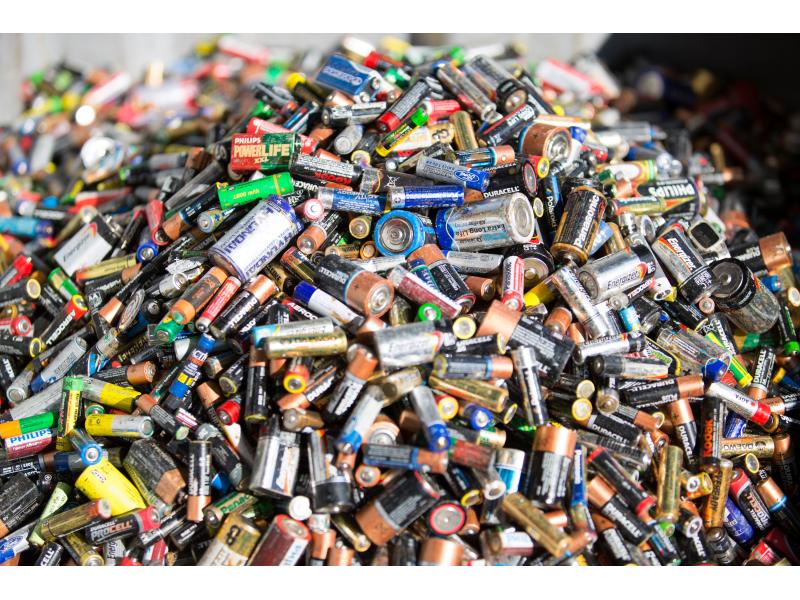 batteries1